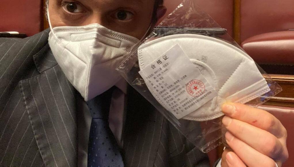 mascherine parlamento cinesi